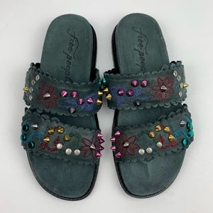 NWOT Free People sandals